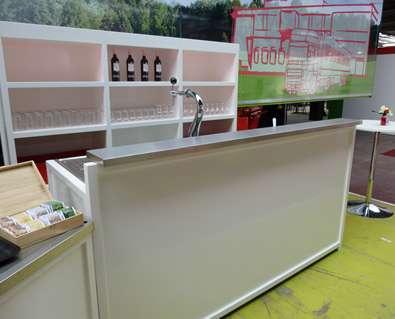 Mobiele bar wit 225 cm met tapinstallatie en achterkast
