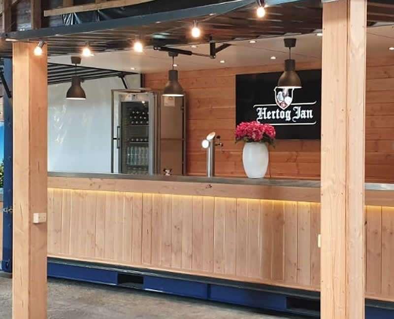 Mobiele bar met Hertog Jan
