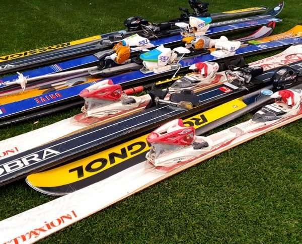 Pakket van ca. 10 ski's
