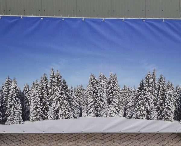 Winters-decordoek-op-bouwhek-345-x-200-cm